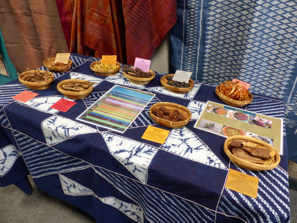 008 Natural dyes display WTD North 2017-960w