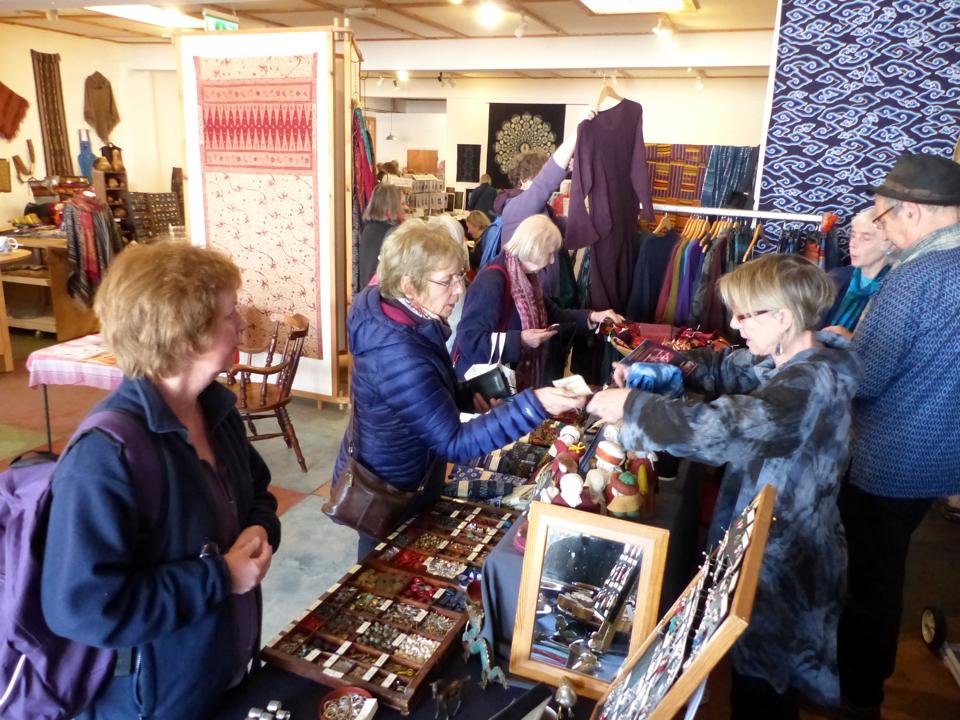 011 Di shoppers Wales 2017-960w